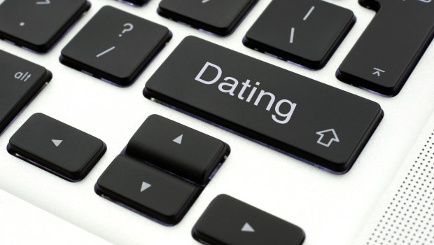 Life Hacks: 5 Internet Dating Hacks for Women - Dare 2 Date